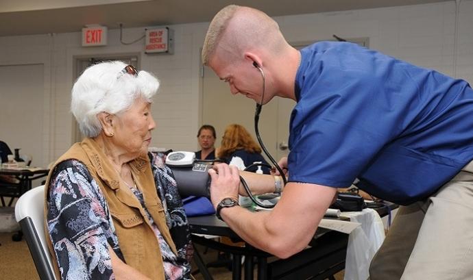 La tecnologia al servei de les persones que necessiten cura. Font: health.mil