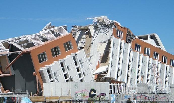 Edifici destruït després d'un terratrèmol Font: