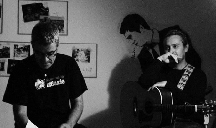 Tomás de los Santos i Gustavo Duch actuaran el 13 d'octubre al cicle Arrelarts, al Bosc de Turull (imatge: tomasdelossantos.cat)