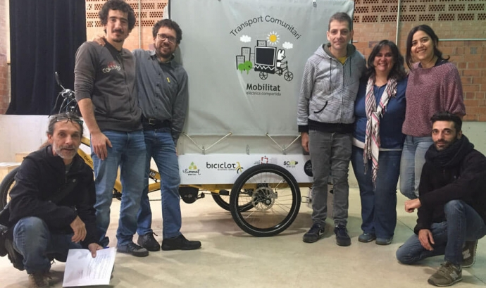 Foto de grup amb el tricicle