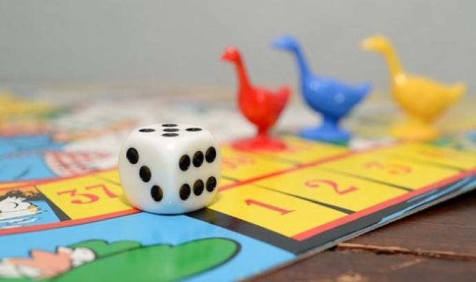 Els jocs de taula poden ser uns grans aliats per passar el confinament. Font: Pixabay