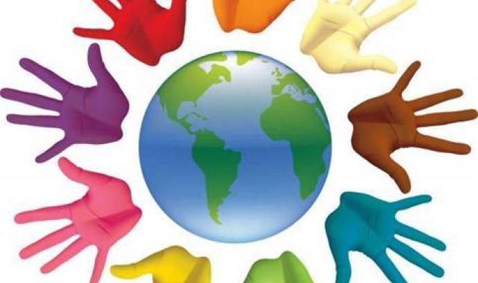 Mans pintades al voltant del món. Font: web reintegralleida.org Font: