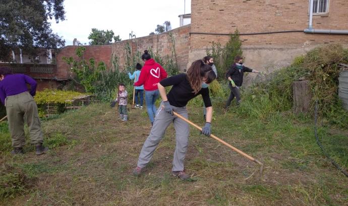 El grup agroecològic de dones de la Fundació Desos als horts de Can Pinyol Font: Fundació Desos