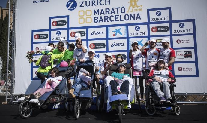 Zurich Marató de Barcelona solidària gràcies a migranodearena.org Font:
