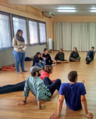 Participants a una formació. Font: Escola Lliure El Sol (Facebook)