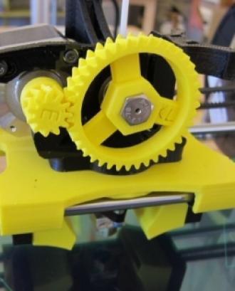 Imatge d'una impressora 3D. Autor de la imatge John Abella (Llicència d'ús CC BY 2.0