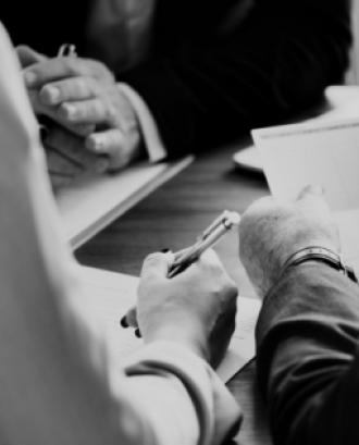 El taller vol donar a conèixer el model cooperatiu i d'entitats d'ESS. Font: Unsplash.