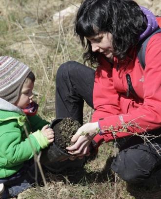 Jornada de voluntariat ambiental amb l'Associació Cen a Montblanc (imatge:assoc-cen.org)