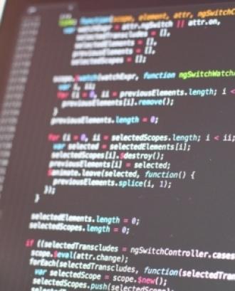 codi de programació en una pantalla d'ordinador