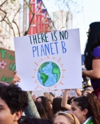L'objectiu és reflexionar sobre l'actual crisi climàtica i reptes socials planetaris i com els nous lideratges basats en els ODS poden aportar solucions. Font: Unsplash.