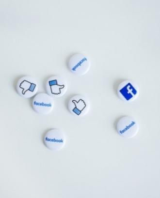 L'objectiu és aprendre pautes per definir l'estratègia comunicativa de les fundacions i eines per optimitzar l'ús de les plataformes digitals i les xarxes socials. Font: Unsplash.