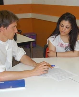 Assistència jurídica a joves a la Fundació Comtal. Font: Fundació Comtal