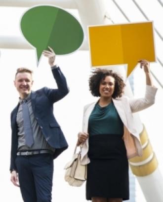 L'objectiu és promoure l'avaluació de les intervencions que es realitzen en la pràctica professional i saber dissenyar processos avaluables en la planificació professional. Font: Unsplash.
