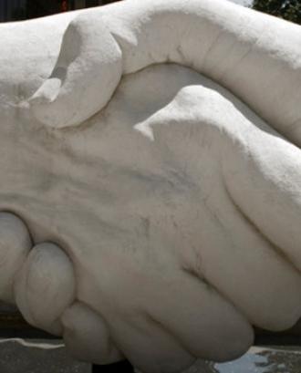 Donar-se la mà