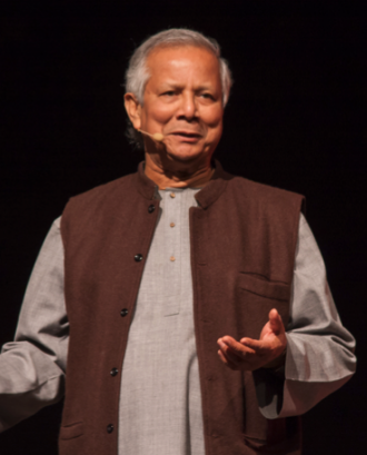 Muhammad Yunus aposta per un nou sistema econòmic que converteixi l'altruisme en una força creativa tan podersa com l'interès propi. Font: Social Business City Barcelona